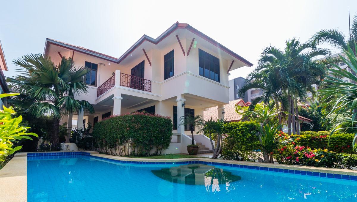 Colonial Beach Home-1