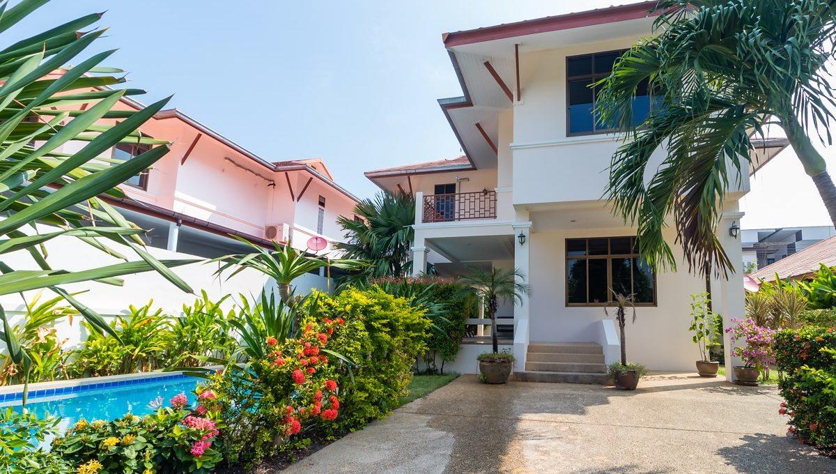 Colonial Beach Home-34