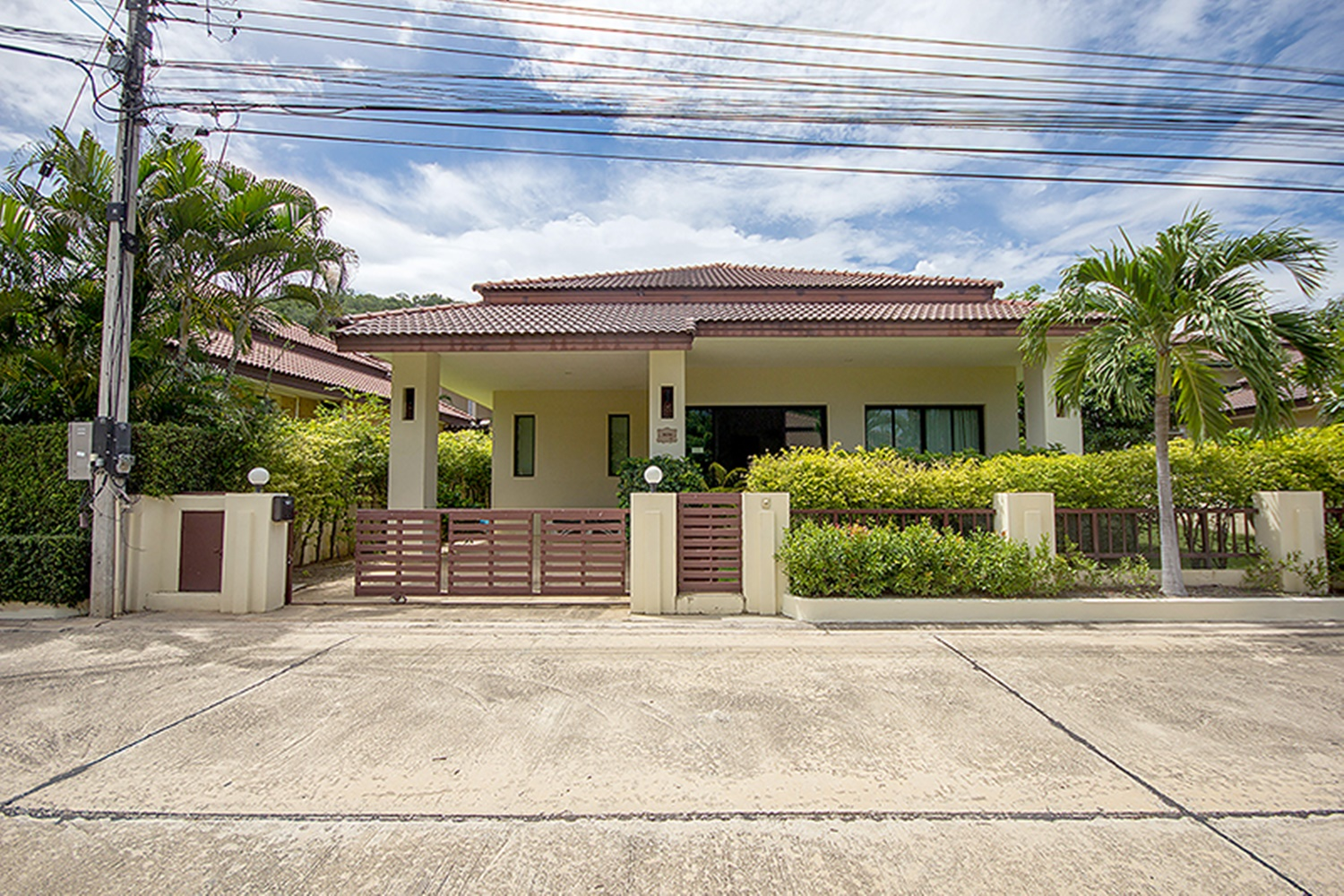 HuaHin House near Town