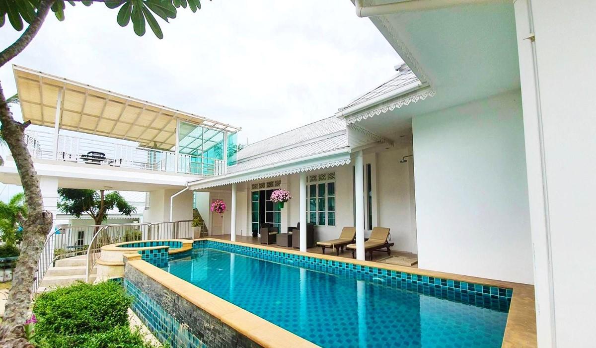 Colonial Villa HuaHin