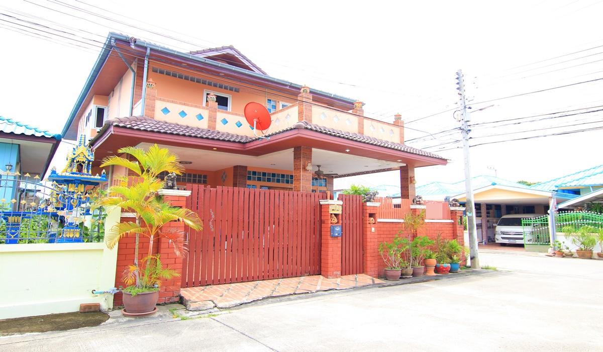 HuaHin House near the beach