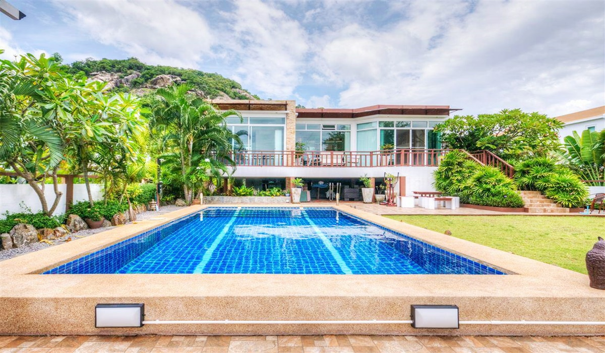 Lake View House For Sale
